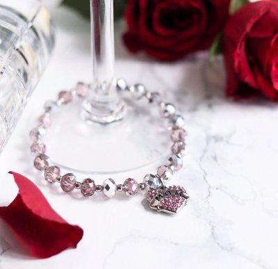 Present till mamma på mors dag. Armband för välgörenhet 52517b845cc45